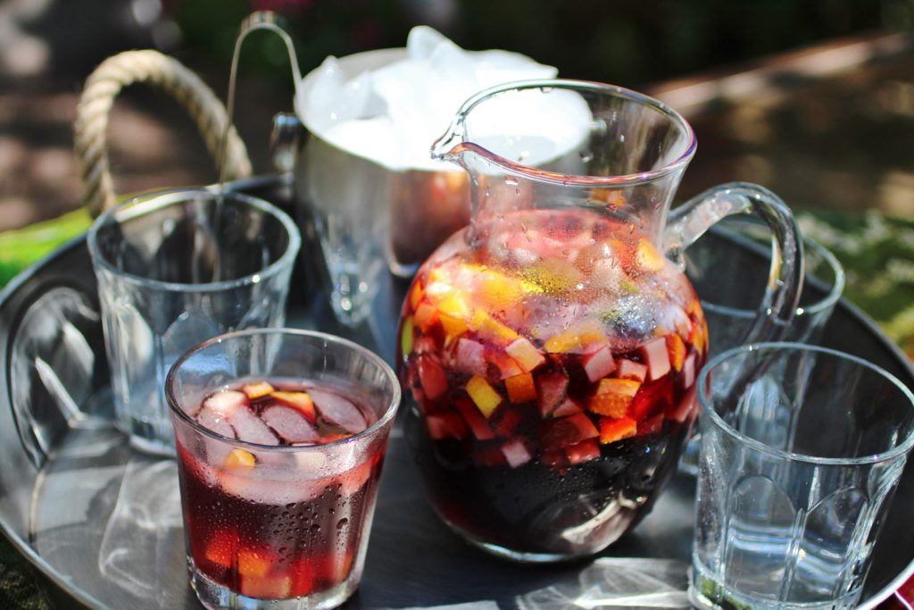 how to make sangria with red wine and sprite