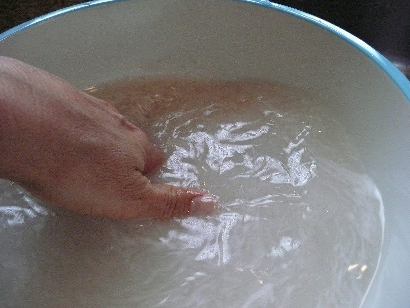 washing rice before boiling
