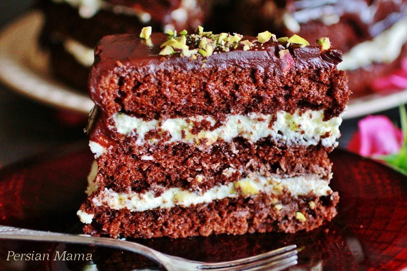 Chocolate Cake with Pistachio Mascarpone Cream