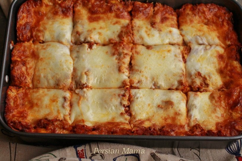 cut the baked lasagna